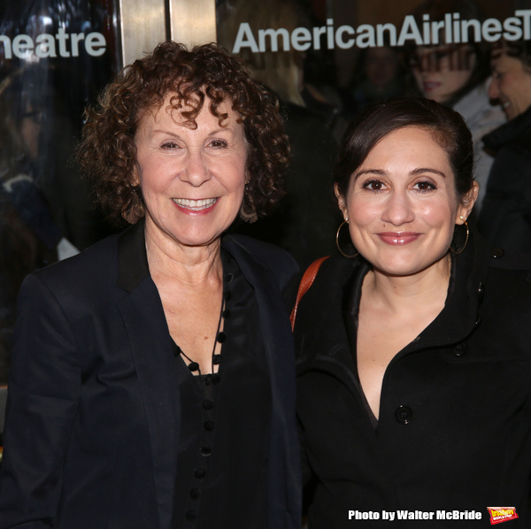 Rhea Perlman and Lucy DeVito