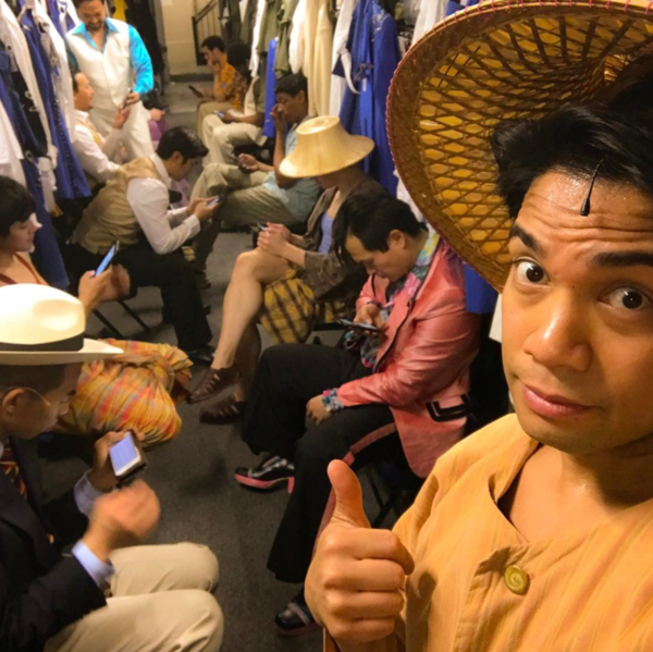 Photo Flash: MURDER ON THE ORIENT EXPRESS Takes a Mug Shot, MISS SAIGON Has a Sit Down, and More Saturday Intermission Pics!