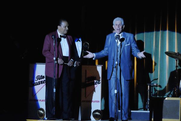 Billy Dee Williams, Tony Roberts