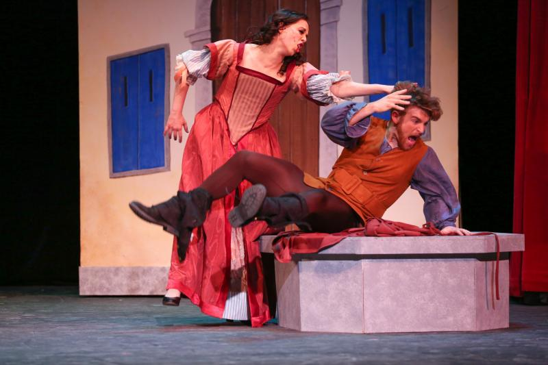BWW Review: Seattle Musical Theatre's KISS ME, KATE Not Tongue-In-Cheek Enough