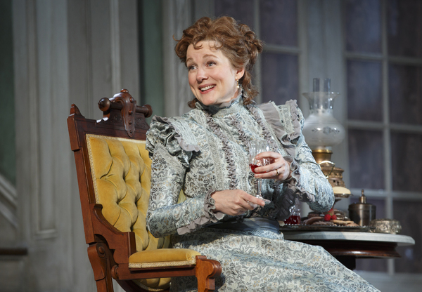 Photo Flash: First Look at Laura Linney and Cynthia Nixon Swapping Roles in THE LITTLE FOXES on Broadway