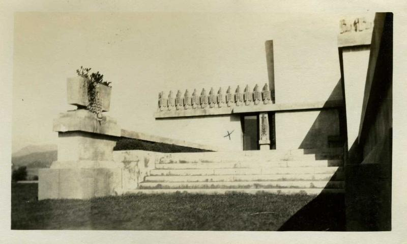 Theatre in Historic Places: FEFU AND HER FRIENDS in Aline Barnsdall's Hollyhock House