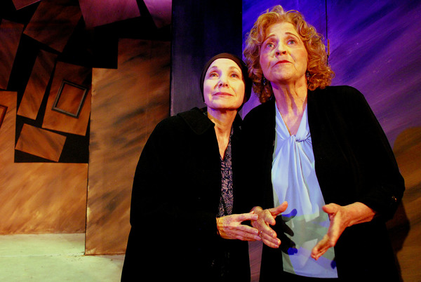 Photos: Comic Drama A DULL PAIN TURNED SHARP Takes the Stage for Opening