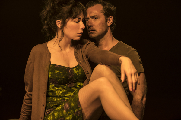 Photo Flash: First Look at Jude Law, Halina Reijn and More in OBSESSION at the Barbican