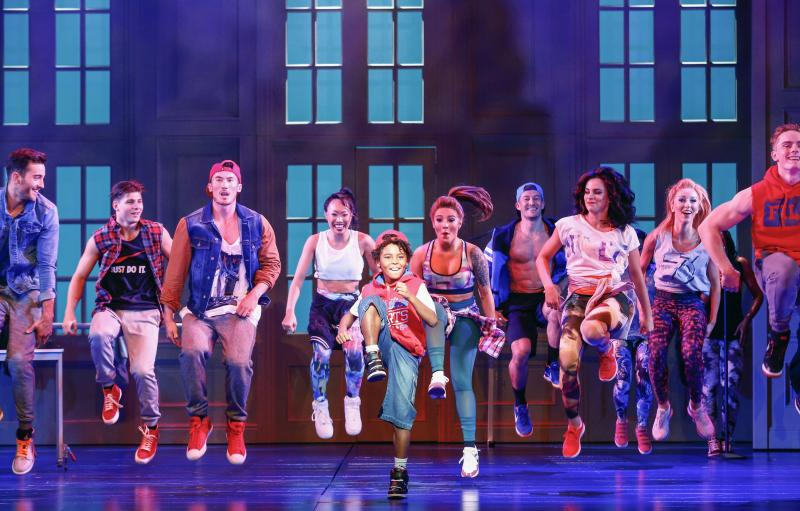 BWW REVIEW: Appealing to Whitney Houston Fans, THE BODYGUARD THE MUSICAL Brings Another Movie To Stage