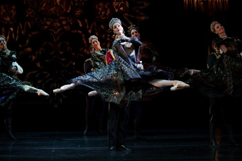 BWW REVIEW: Graeme Murphy's NUTCRACKER – THE STORY OF CLARA Is Poignant And Beautiful Contemporary Tale For All Ages