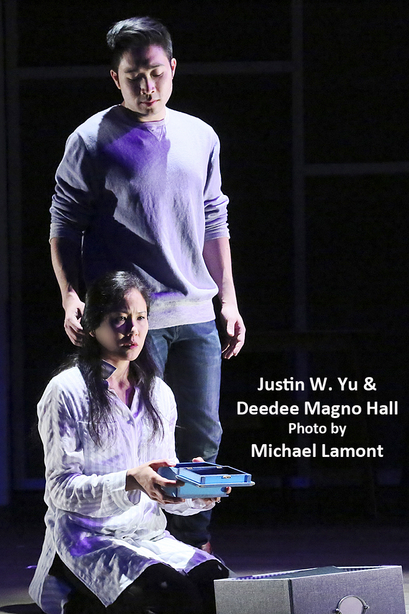 BWW Review: A Stunning NEXT TO NORMAL Wows!