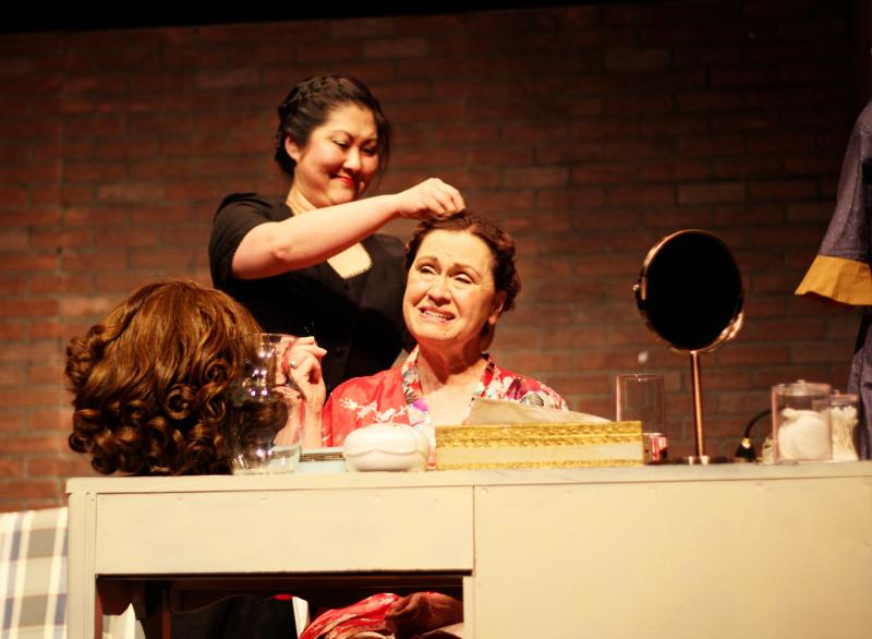 BWW Review: Physical Comedy Reigns Supreme in THE ACTRESS