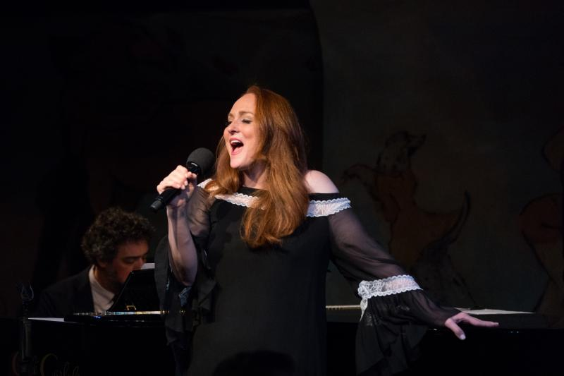 BWW Review: Antonia Bennett Proves She's a Force to Be Reckoned With In Cafe Carlyle Debut