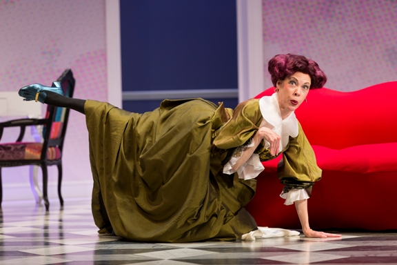 BWW Interview: Theatre Life with Veanne Cox