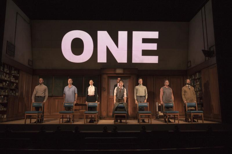 BWW Review: This 1984 is Not by the Numbers at Comedy Theatre