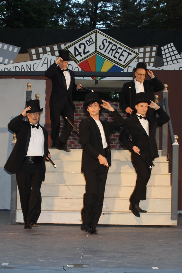 BWW Review: 42ND STREET at St. Dunstan's is Big, Beautiful and Amazing! Thru June 17