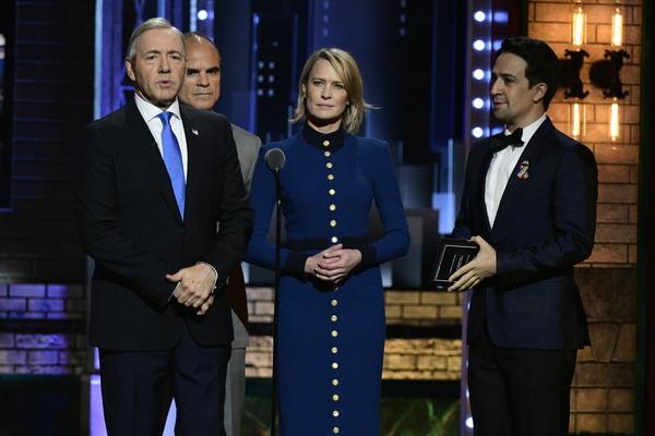 Kevin Spacey, Michael Kelly, Robin Wright, and Lin-Manuel Miranda Photo