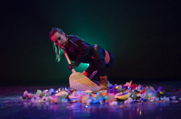 Photos: Chicago Dance Crash Goes Big with THE BRICKLAYERS OF OZ This Summer