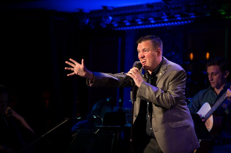 BWW Review: In Solo Debut, Robbie Rozelle Leaps Into the Spotlight and Insists That the 'Personality Piece' Is Not a Dead Art
