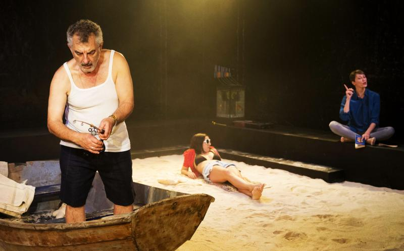 BWW REVIEW: New Australian Play SUNSET STRIP Finds Humour Even When Everything Seems Hopeless.
