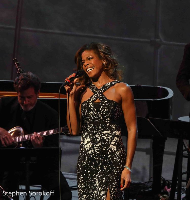 BWW Review: Michael Feinstein and Friends Pay Homage to 'The First Lady of Song' in the Exceptional ELLA ON MY MIND