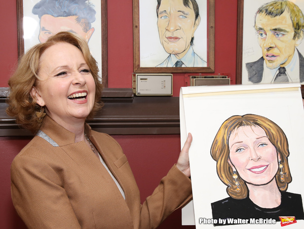Photo Coverage: PRESENT LAUGHTER's Kate Burton Joins the Fabled Walls of Sardi's!