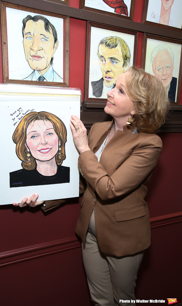 Kate Burton with Richard Burton caricature