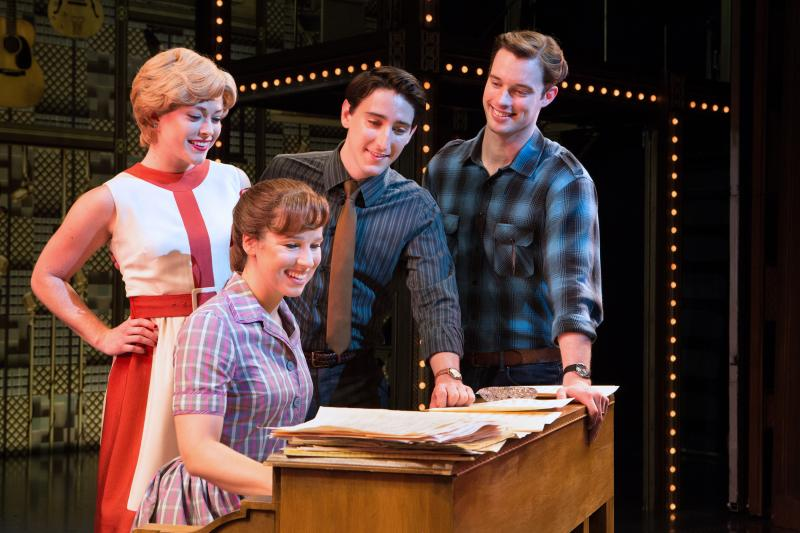 BWW Review: Empowering Anthems Shine in Mirvish's BEAUTIFUL - THE CAROLE KING MUSICAL