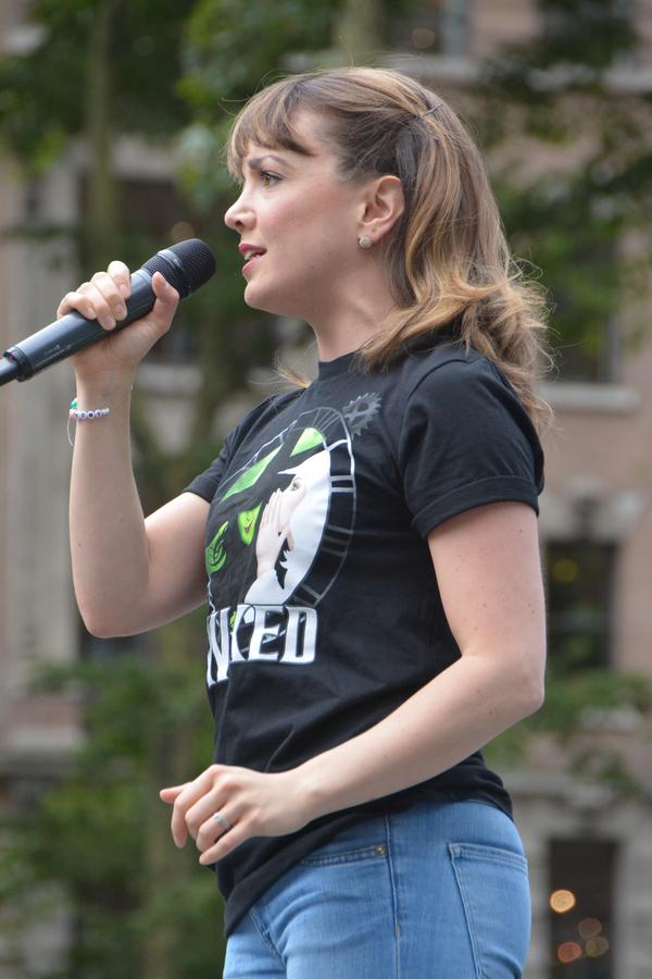 Kara Lindsay Photo