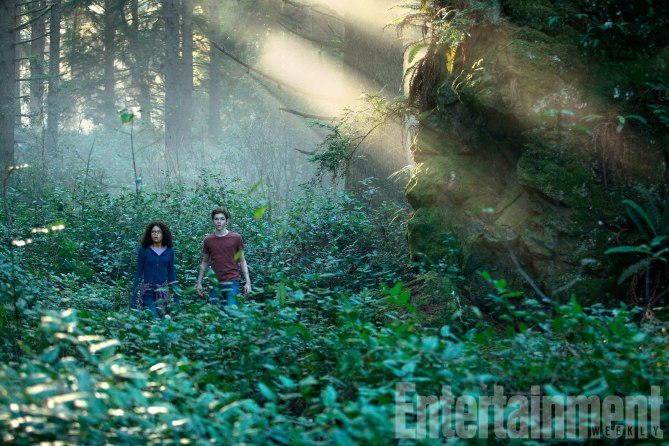 First look! A WRINKLE IN TIME Movie Stills!