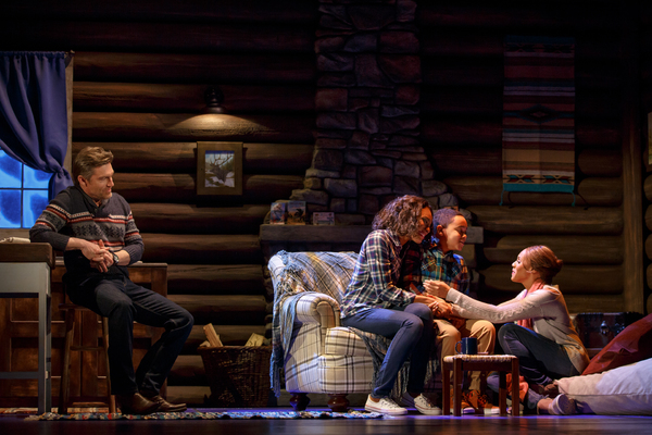 Photos: First Look at THE BODYGUARD at The Hobby Center