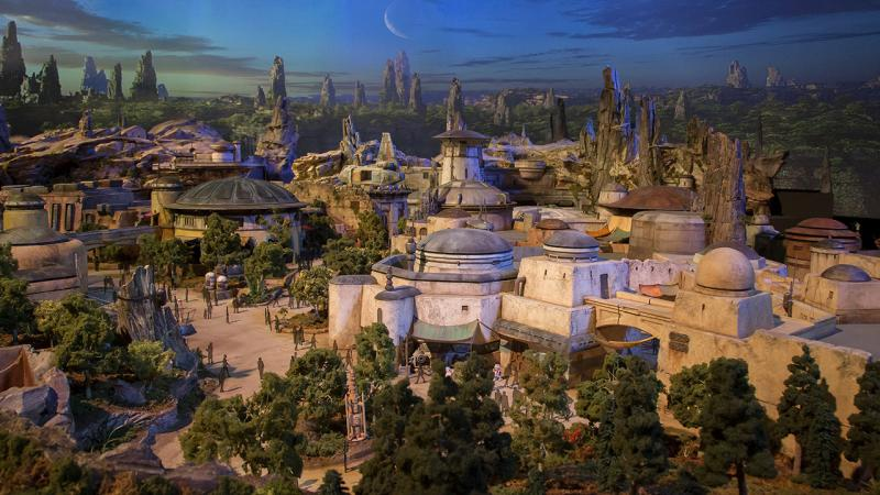 Disney Gives Sneak Preview of STAR WARS LAND, Coming to Disney World!