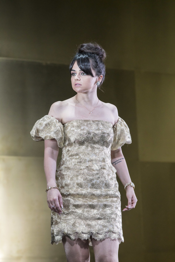 Photo Flash: First Look at Sienna Miller and the Cast of CAT ON A HOT TIN ROOF at the Apollo Theatre