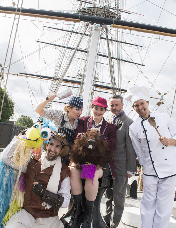 Photo Flash: Cast of THE HUNTING OF THE SNARK Visit Cutty Sark