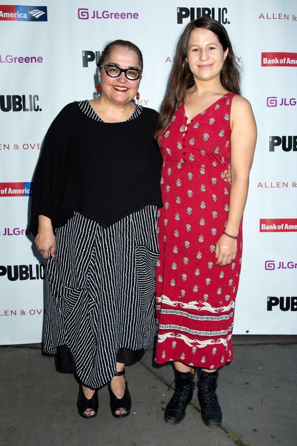 Laurie Woolery, Shaina Taub