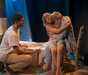 BWW Review:  Tina Howe's SINGING BEACH Addresses Deteriorating People and a Deteriorating Earth