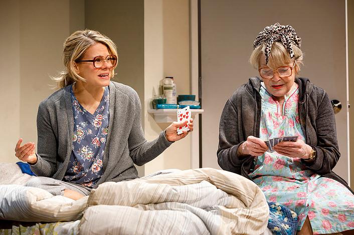 BWW Review: Anita Gillette Takes Celia Keenan-Bolger Through Time in Bruce Norris' A PARALLELOGRAM