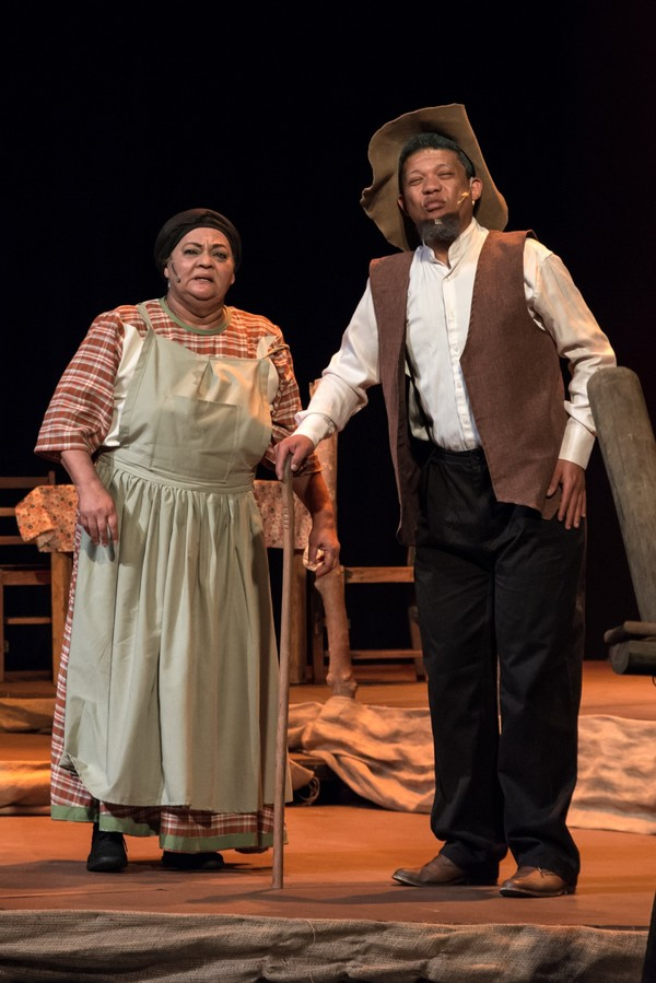 Photo Flash: FIELA SE KIND Sells Out at the Baxter Teater
