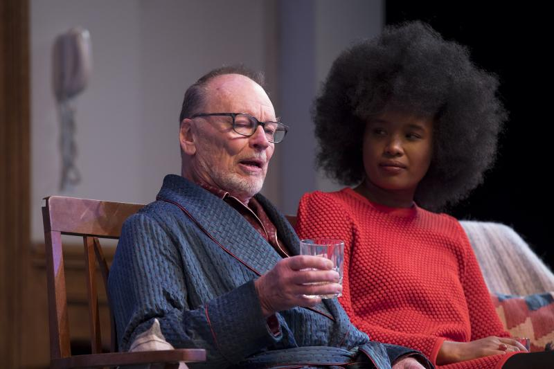 BWW REVIEW: Giving The Audience A Taste Of The Challenge Of Living With Dementia, THE FATHER Is A Heartbreaking Story Of Aging