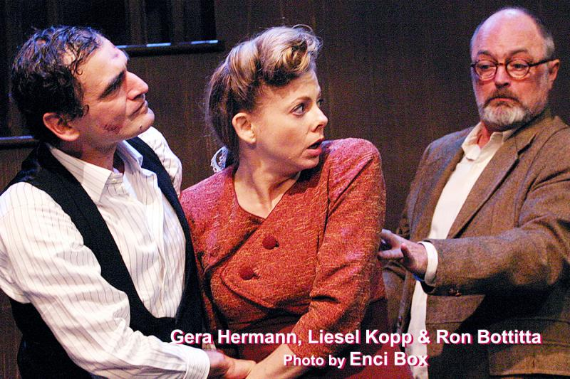 BWW Review: ARSENIC AND OLD LACE - A Most Potent Showcase for Sheelagh Cullen And Jacque Lynn Colton