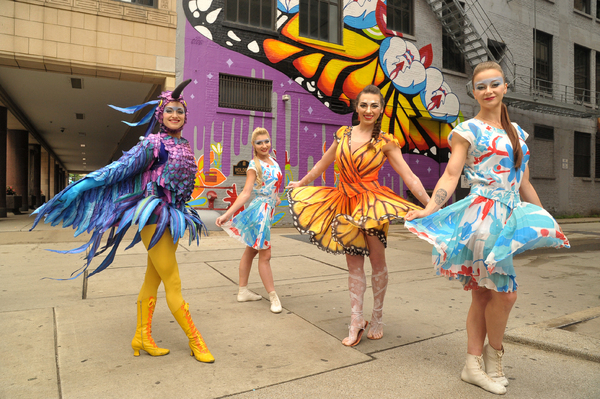 Artists from Cirque du Soleil's LUZIA at the dedication of the new LUZIA-inspired mural by Chicago artist Gloria 'Gloe' Talamantes.