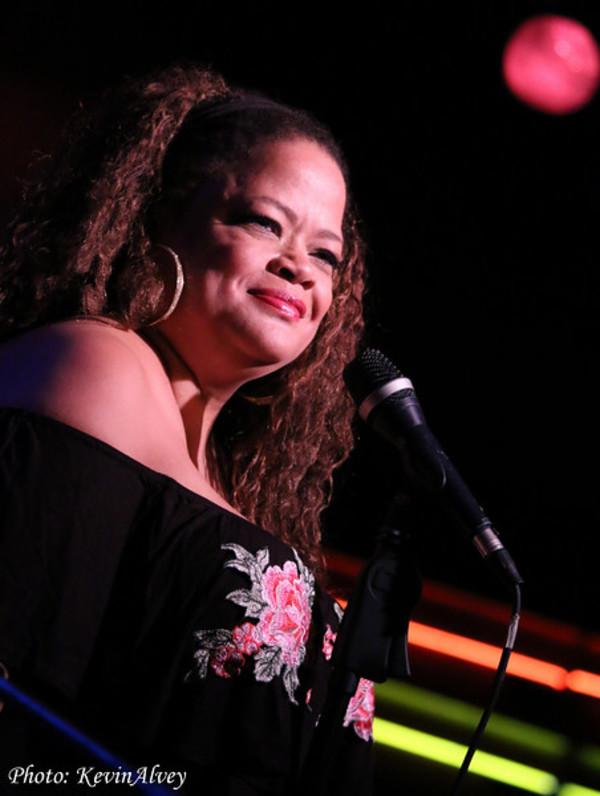 Photo Flash: Natalie Douglas Tributes Linda Ronstadt at Birdland