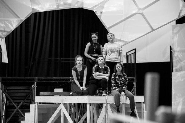 Sarah Kate Howarth, Rachelle Diedericks, Faye Christall, Katy Clayton, and Lauren Jac Photo