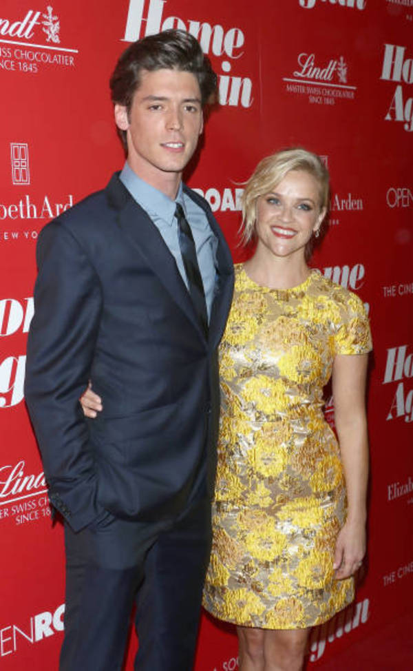 Photo Flash:  Reese Witherspoon & More Attend HOME AGAIN NY Premiere