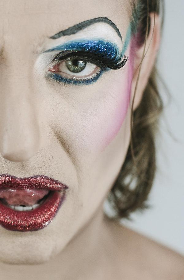 Photo Flash: Sneak Peek at 'HEDWIG' in Her Stilettos at Phoenix Theatre