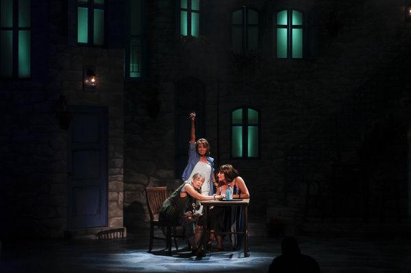 Photo Flash: My, My! MAMMA MIA Opens at Phoenix Theatre