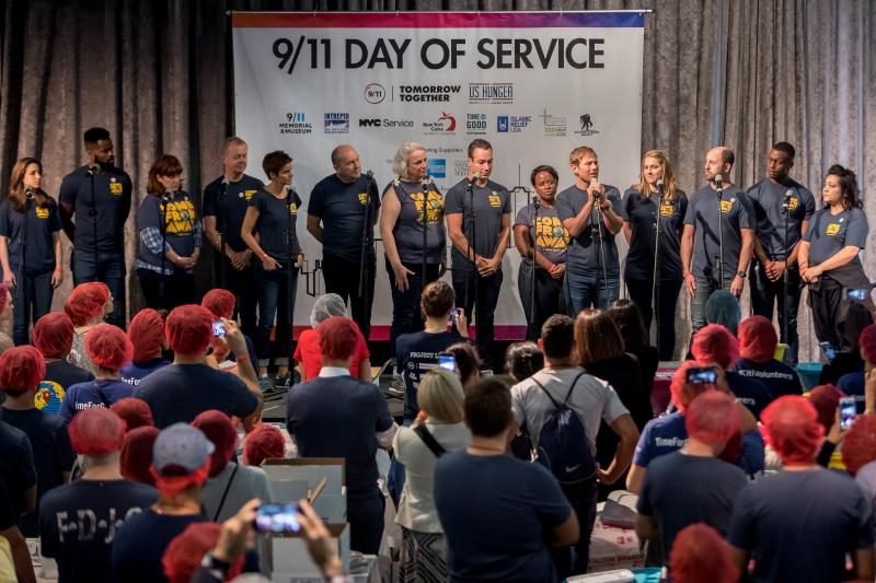 VIDEO: COME FROM AWAY Cast Performs 'Prayer', Volunteers on 9/11
