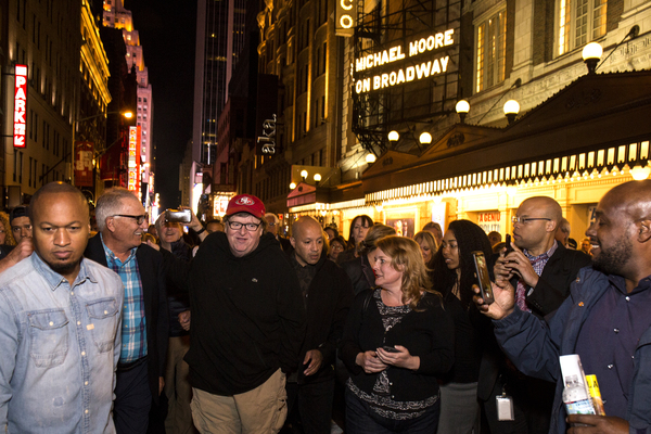 Photo Flash: Michael Moore Treats THE TERMS OF MY SURRENDER Audience to Free Hot Dogs