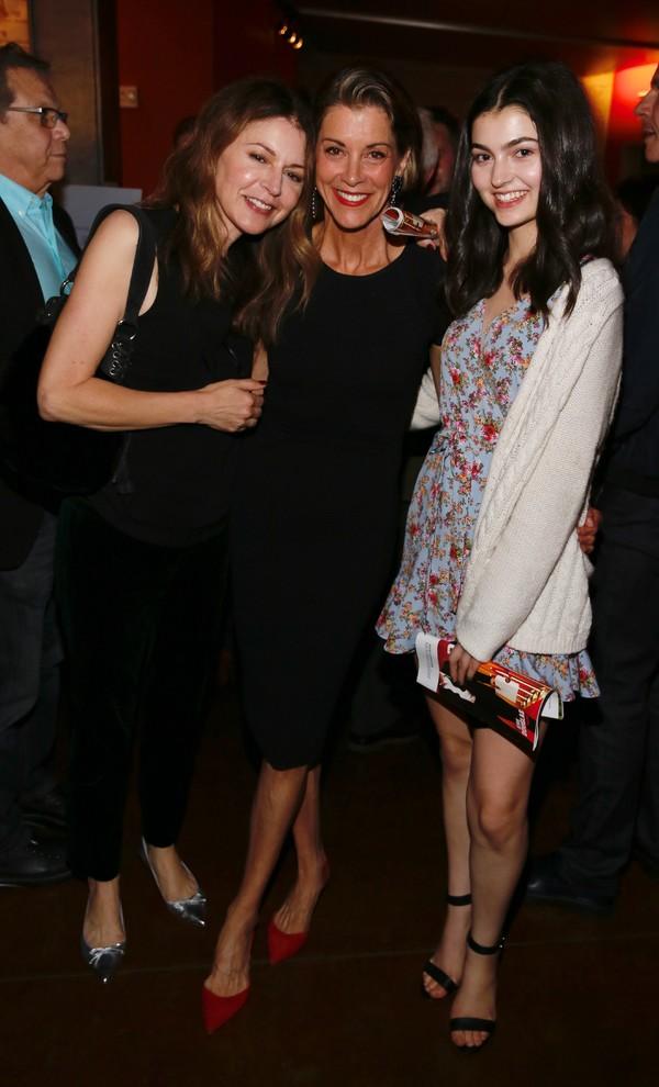 Jane Leeves, Wendie Malick and Isabela Coben