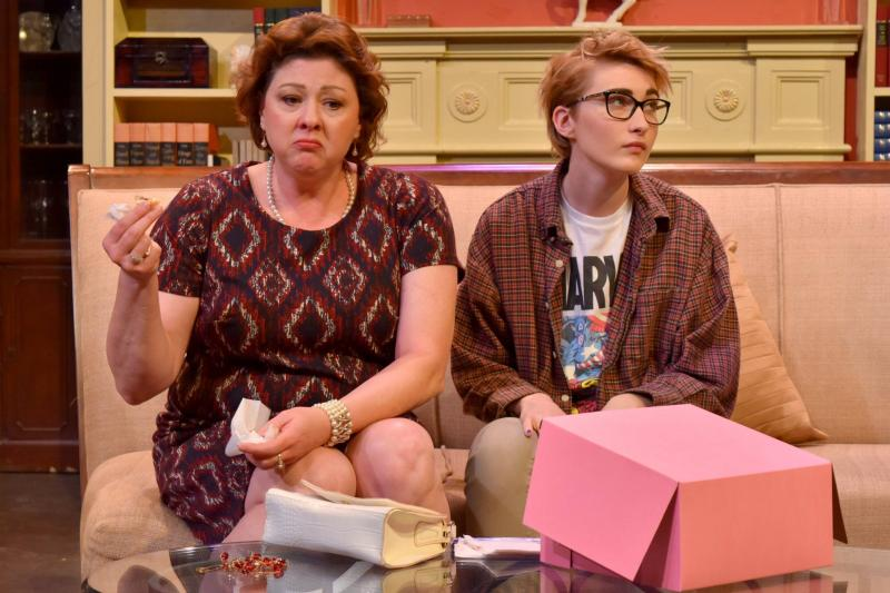 BWW Review:    Terrific New Theatre has a key to the Comedy Townhouse in THE TRIBUTE ARTIST