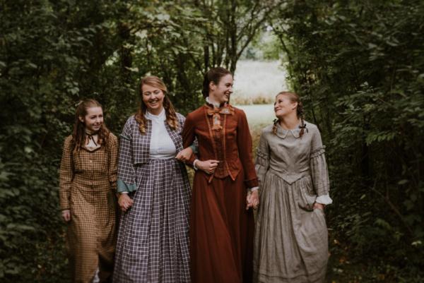 Ella Rose Kleefisch, Hannah Esch, Kat Geertsen, Courtney Denzer Photo