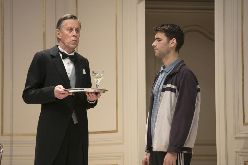 BWW REVIEW:  Bitterness And Bitchiness Are Served Up In The Bizarre Comedy Thriller DINNER