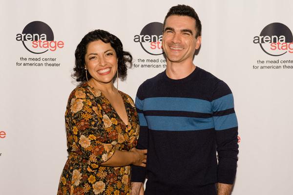 Jacqueline Correa (Tania Del Valle) and Dan Domingues (Pablo Del Valle) Photo