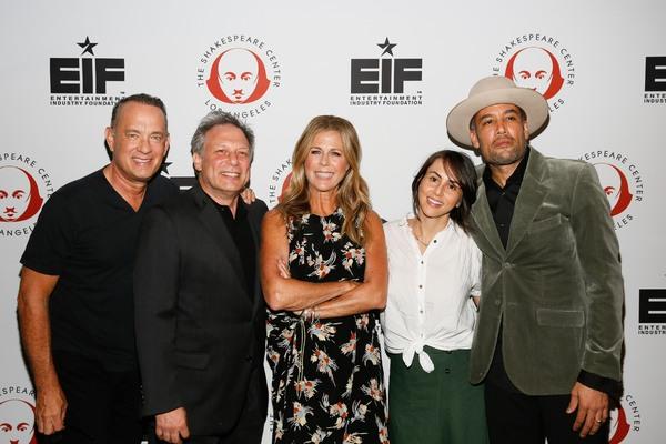 Tom Hanks, Ben Donenberg, Rita Wilson, Jaclyn a Harper nd Ben Harper